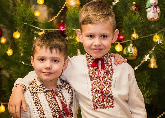 Праздничные вышиванки для деток