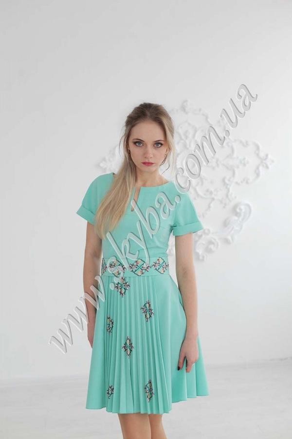 Жіноча сукня СК6254 з вишитим поясом та плісе